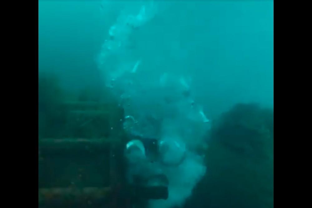 Сброс сточных вод в море возле села Кабардинка