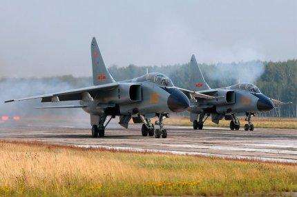 Китайский истребитель-бомбардировщик JH-7A