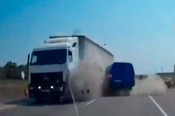 """Авария на трассе """"Таврида"""" в Крыму"""