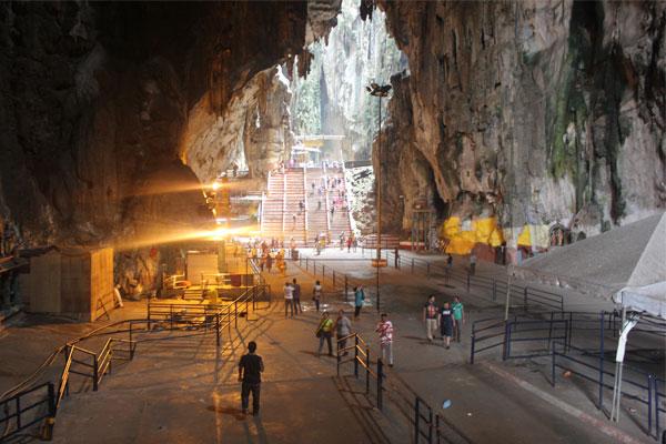 Пещеры Бату в Куала-Лумпуре. Малайзия.