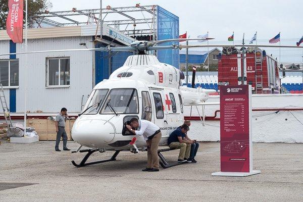 Лёгкий вертолёт санитарной авиации Ансат