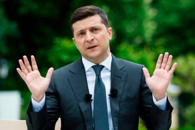 Почти половина украинцев поддерживает досрочную отставку Зеленского