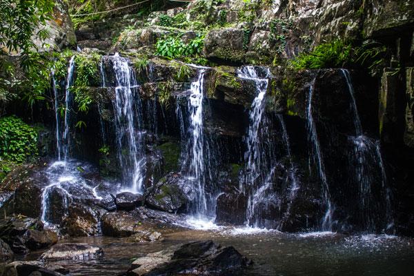 Красивый водопад. Деревня Фоннья. Вьетнам.