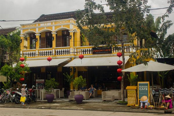 Кафе на острове Анхой в городе Хойан. Вьетнам.