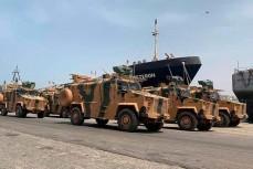 Турецкая военная техника ожидает погрузки на корабли