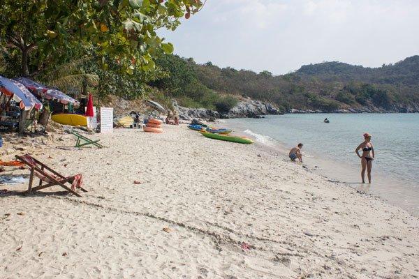 Пляж Khao Phang. Си Чанг, Таиланд.