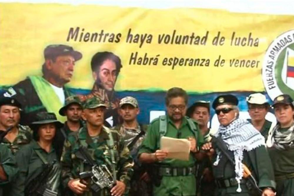 Иван Маркес зачитывает призыв к оружию