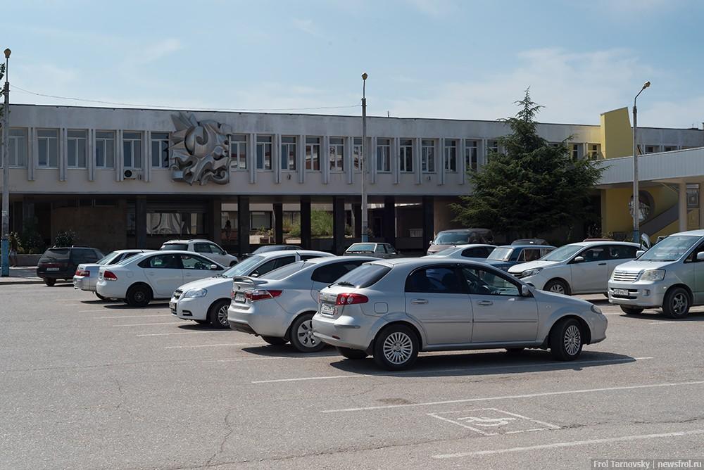Новое здание ЖД вокзала в Евпатории