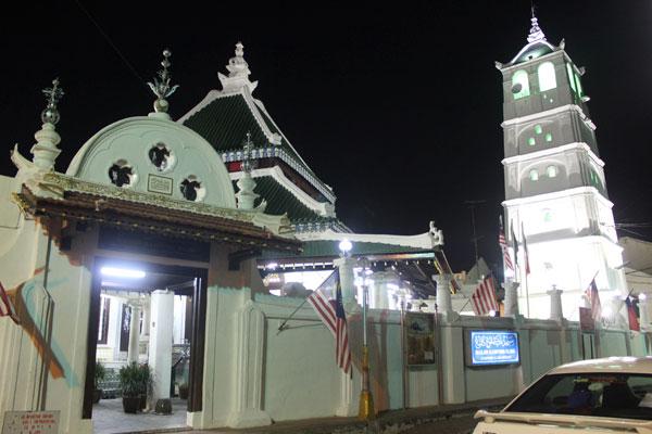 Старейшая мечеть в Малакке (1748 год) с минаретом в виде пагоды.