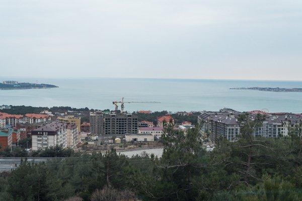 Шикарный вид на бухту Геленджика их «Сафари-парка»