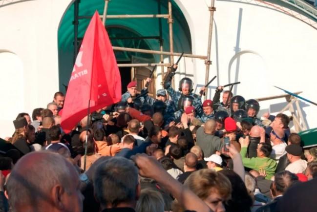 На Украине продолжаются захваты раскольниками из ПЦУ канонических православных храмов