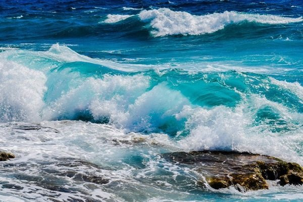 Ученые: Зафиксирован «гул» Земли надне океана
