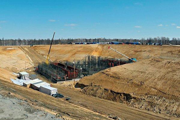 Строительство стартового комплекса, 12 апреля 2013 года