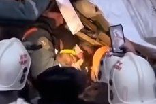 Спасение 10-месячного мальчика из под завалов дома в Магнитогорске
