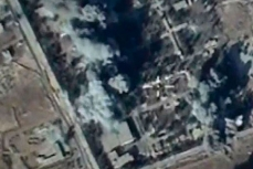 Самолеты российской авиагруппы выполняют боевые вылеты в Сирию.