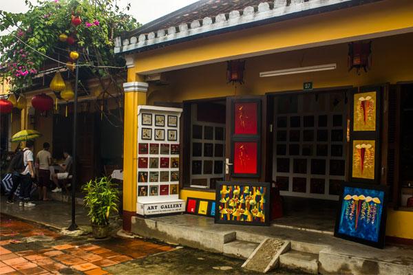Арт-галерея в городе Хойан. Вьетнам.