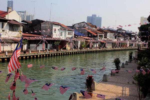 Красивая набережная в городе Малакка. Малайзия.