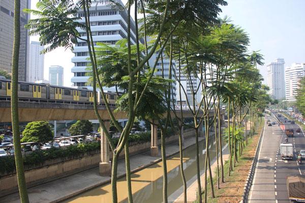 Надземное метро в Куала-Лумпуре. Малайзия.