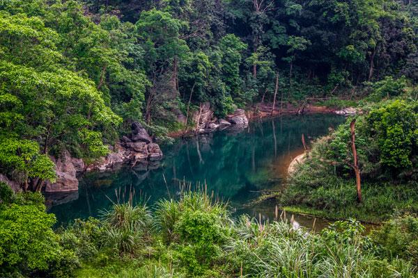 Синяя река. Фоннья. Вьетнам.