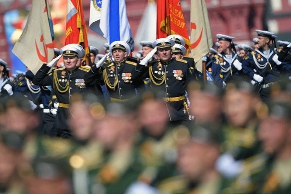 Напараде Победы в столицеРФ прошел женский сводный батальон