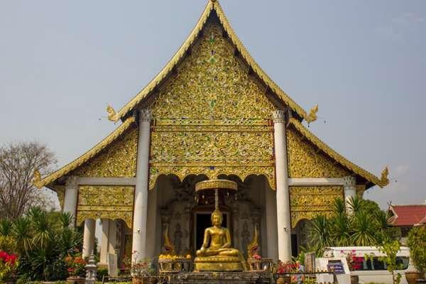 Храм Wat Chedi Luang.