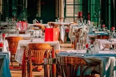 Нью-Йорк и Лос-Анджелес закрывают, рестораны и бары
