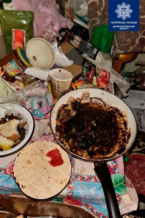 Дети питались отходами и гнилыми продуктами