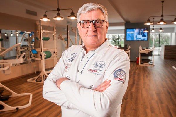 Блюм Евгений Эвальевич - профессор, доктор медицинских наук, основатель Клиники восстановительной медицины, эксперт в области восстановления здоровья биомеханическими методами