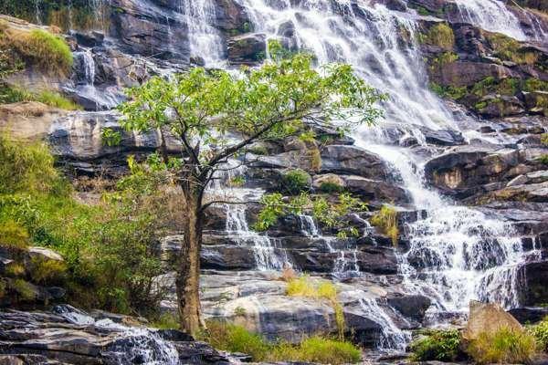 Водопады нац. парка Дой-Интанон.