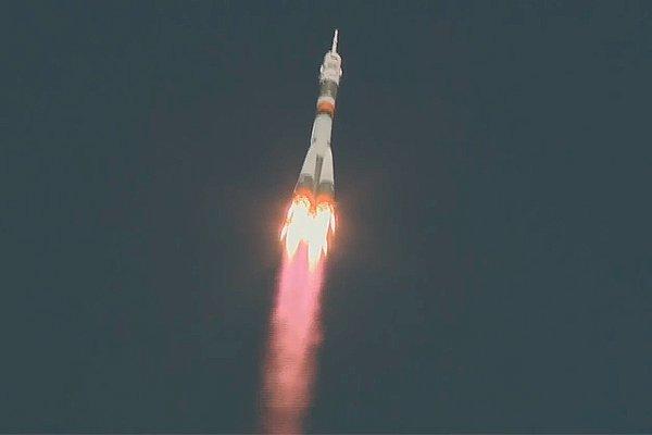 Первые секунды полёта пилотируемого корабля «Союз МС-10» перед аварией