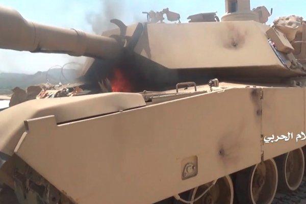 Повстанцы хуситы подожгли подбитый танк «Абрамс»