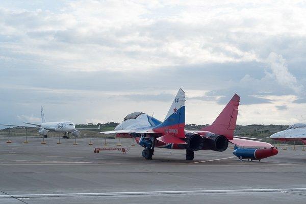 МиГ-29 пилотажной группы «Стрижи». Вид сзади