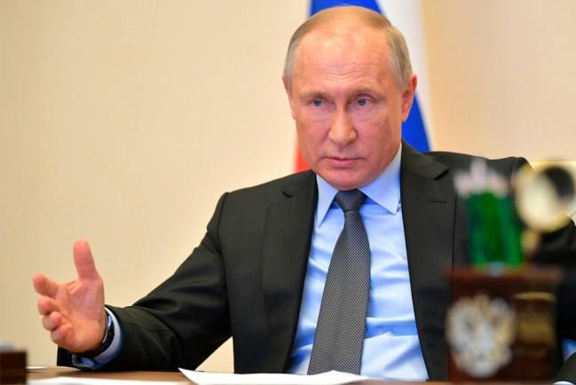 Путин  не исключает ухода на карантин: в окружении президента есть больные коронавирусом
