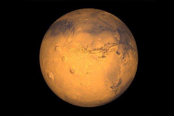 Ученые ESA впервый раз засняли Марс «вполный рост»