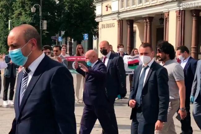 Россияне приветствовали в Москве спикера парламента Ливии