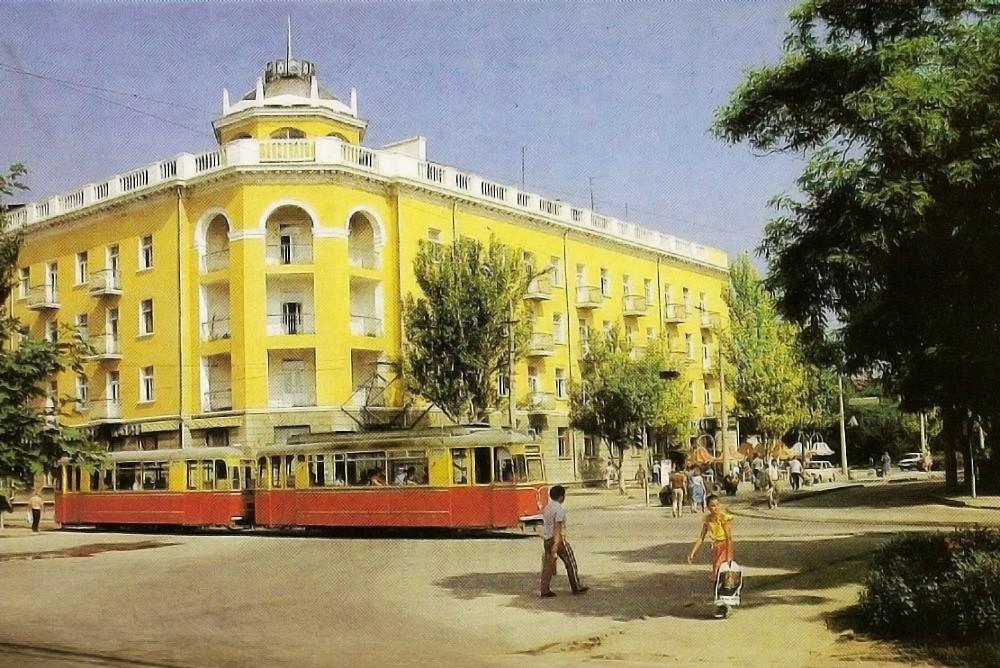 """Гостиница """"Украина"""" в Евпатории. Старая фотография"""