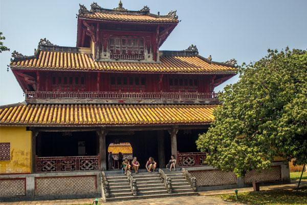 Здание. Императорская цитадель, г. Хюэ. Вьетнам.