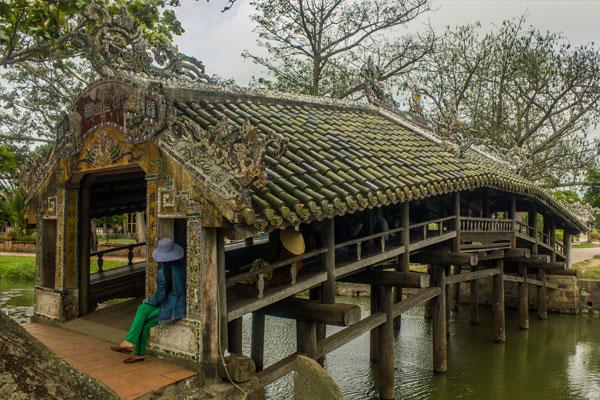 Мост Cau Ngoi Thanh Toan, г. Хюэ. Вьетнам.