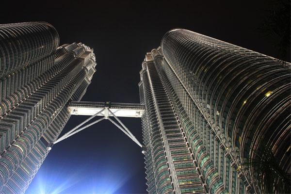 Башни-близнецы Петронас в Куала-Лумпуре. Малайзия.