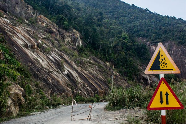 Дорога в Далат. Опасный участок.