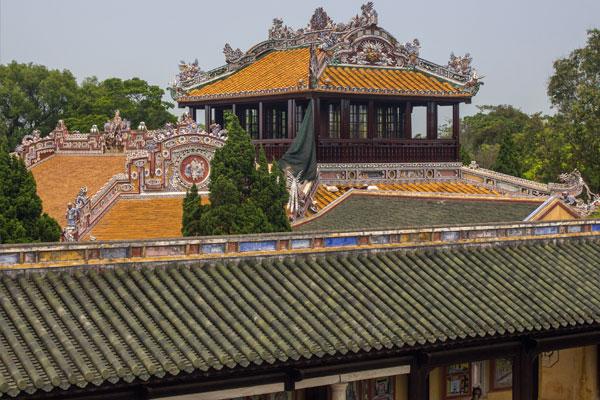 Вид на императорскую цитадель, г. Хюэ. Вьетнам.