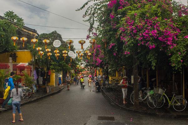 Милые улицы города Хойан. Вьетнам.
