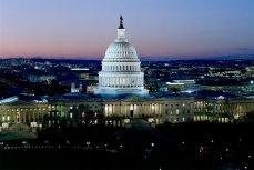 В Конгрессе США решили сократить помощь Украине в два раза.