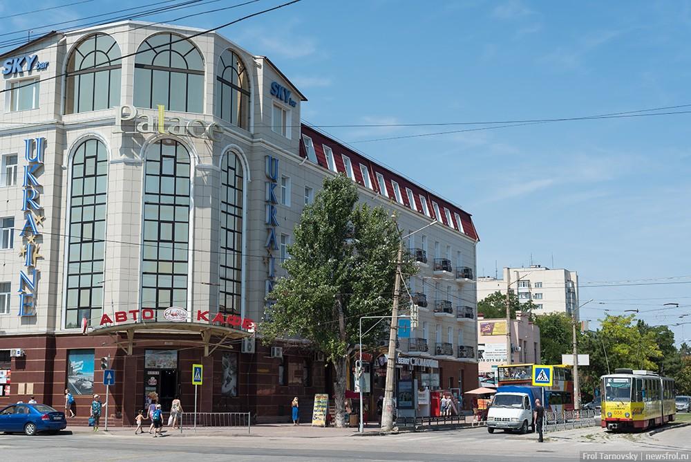 Конечная остановка трамвая – гостиница «Украина» в Евпатории