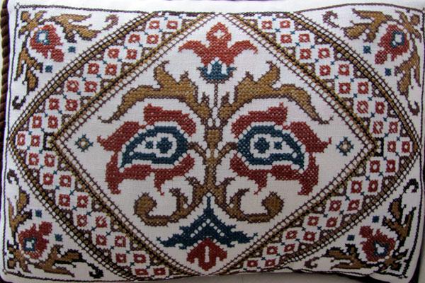Вышивка на подушке. Мелник. Болгария.